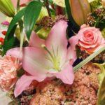 母の日に贈るユリ 花言葉や種類や贈るときのタブーについて