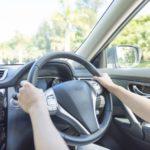 運転中の紫外線対策 UVカットフィルムや車内で使えるグッズなど